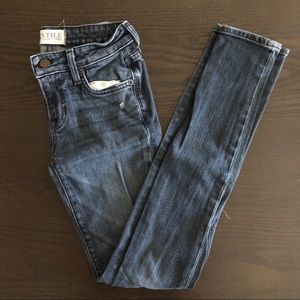 TEXTILE Elizabeth & James Kate Jeans Size 24